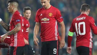 Hängende Köpfe bei Zlatan Ibrahimovic, Wayne Rooney und Co. Manchester United verlor auswärts gegen Fenerbahce Istanbul 1:2