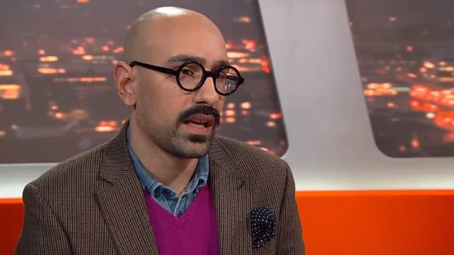 Kampf der Symbole: Im «TalkTäglich» rechtfertigt Werber Sheik Fareed sein Abstimmungsplakat mit Hakenkreuz.