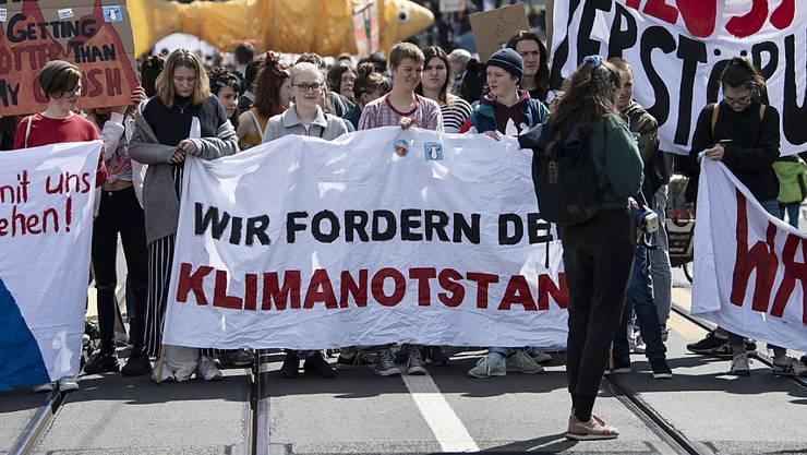 Auch Klimastreikende forderten den Klimanotstand. Der Zürcher Regierungsrat lehnt entsprechende Vorstösse jedoch ab.