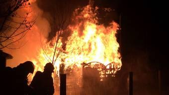 Gartenhaus in Therwil brennt nieder