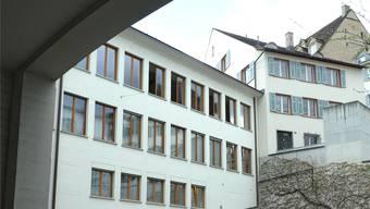 Hinter diese Fassade im Spiegelhof kommt die neue Einsatzzentrale.