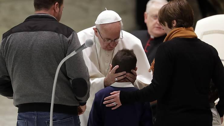 Der Papst empfing an seiner täglichen Audienz Erdbebenopfer aus mehreren Regionen Italiens.