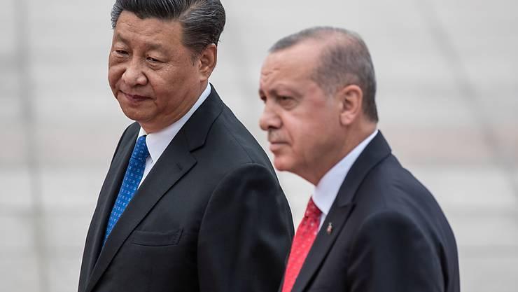 Chinas Präsident Xi Jinping hat seinen türkischen Amtskollegen in Peking empfangen.