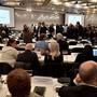 Das Landgericht Duisburg hat die Hauptverhandlung zum Loveparade-Prozess aus Platzgründen in eine Kongresshalle nach Düsseldorf verlegt. Rund 500 Menschen finden darin Platz.
