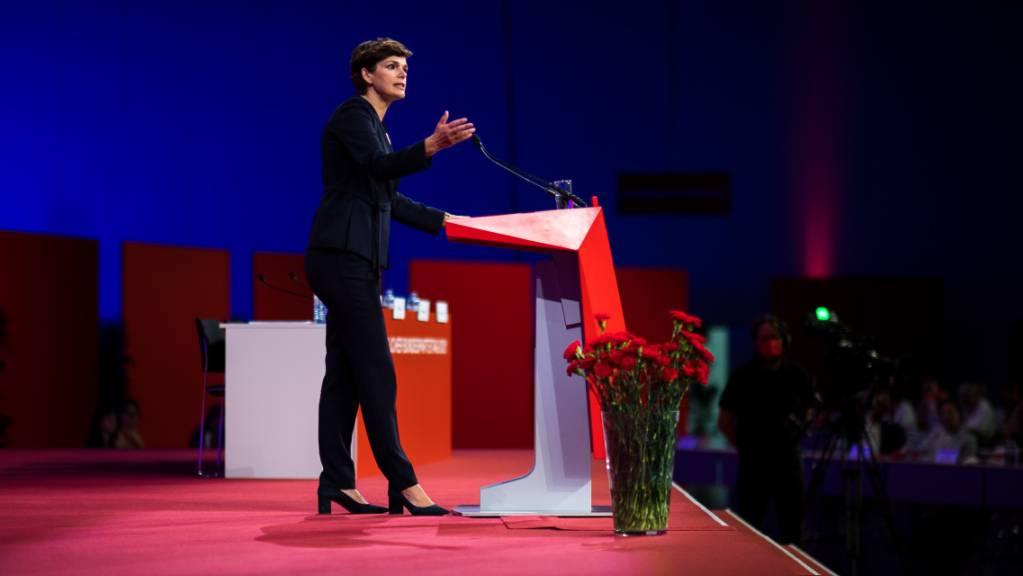 Pamela Rendi-Wagner, Parteivorsitzende der SPÖ, spricht auf dem Bundesparteitag der österreichischen Sozialdemokraten in der Messe Wien. Foto: Michael Gruber/APA/dpa