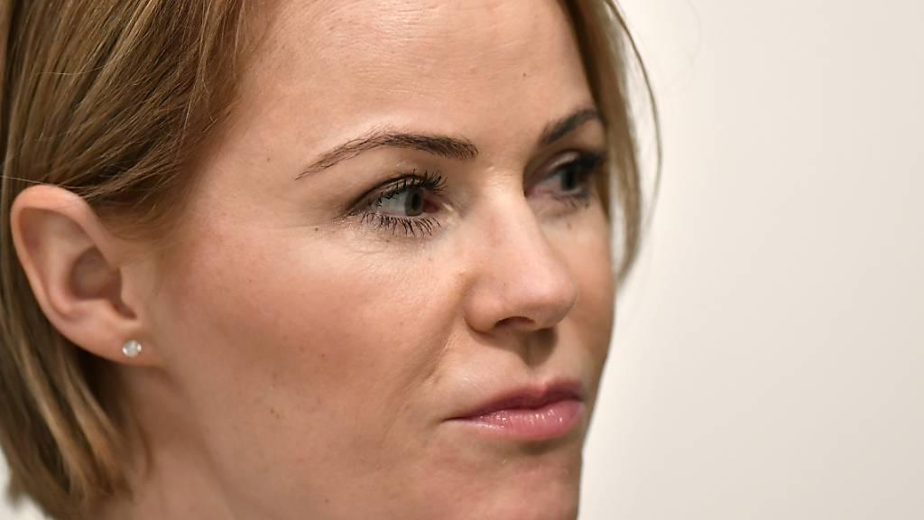Das Strafverfahren zu einem gegen die SVP-Politikerin Natalie Rickli gerichteten Rap geht in eine weitere Runde. (Archivbild)