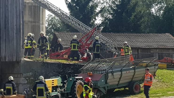 Schwierige Bergung mit der Feuerwehrleiter.