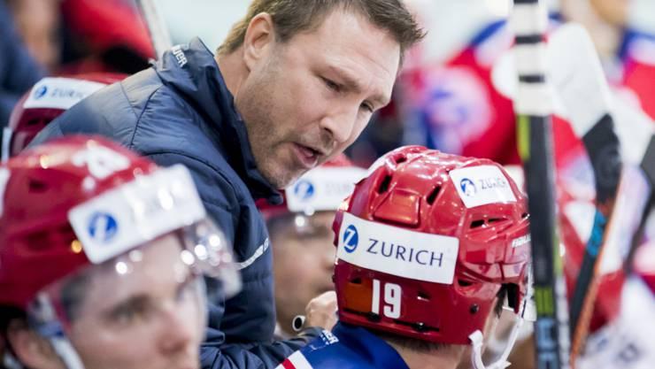 Rapperswils Cheftrainer Jeff Tomlinson (Bildmitte) coachte sein Team in die Cup-Halbfinals