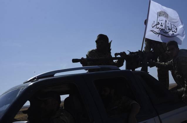Protürkische FSA-Söldner sollen in Nordsyrien Zivilisten hingerichtet haben.