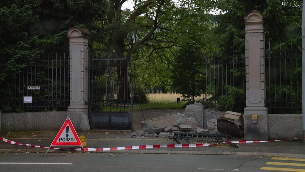 Mit gestohlenem Auto: Audi-Fahrer rast über Friedhof Sihlfeld und flüchtet