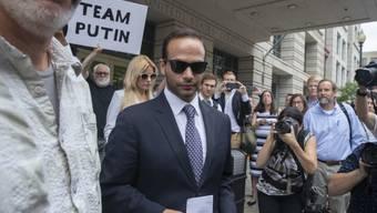 George Papadopoulos, der frühere Wahlkampfberater des heutigen US-Präsidenten Donald Trump, kommt am Freitag vor Gericht mit einer vergleichsweise milden Strafe für eine Falschaussage davon.