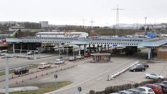 Blick auf die Zollanlage des Autobahnzolls Basel-Weil.