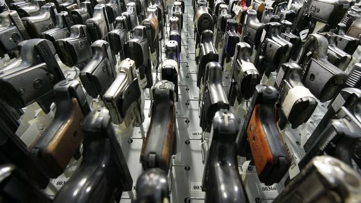 Bei dem Waffendeal beträgt der Auftragswert 45 Millionen Franken. (Symbolbild)