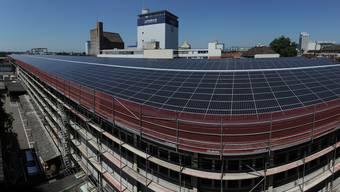 Nachahmer gesucht: Die grösste Basler Solaranlage hat die Firma Rhenus beim Hafen installiert.