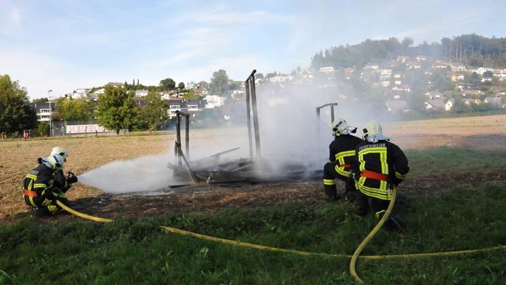 Zwei Teams greifen das Feuer gleichzeitig an