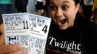 Riesige Freude bei Vampir-Fan: Sie hat zwei Kinokarten bekommen