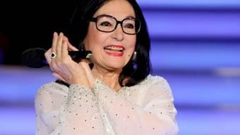 Nana Mouskouri liebt ihre Brille (Archiv)