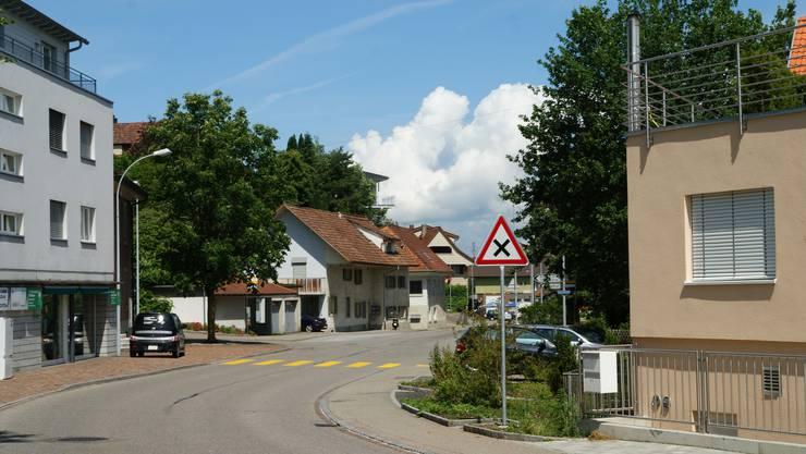 Der Rechtsvortritt bei der Einmündung der Kanzleistrasse in die Bahnhofstrasse bleibt bestehen