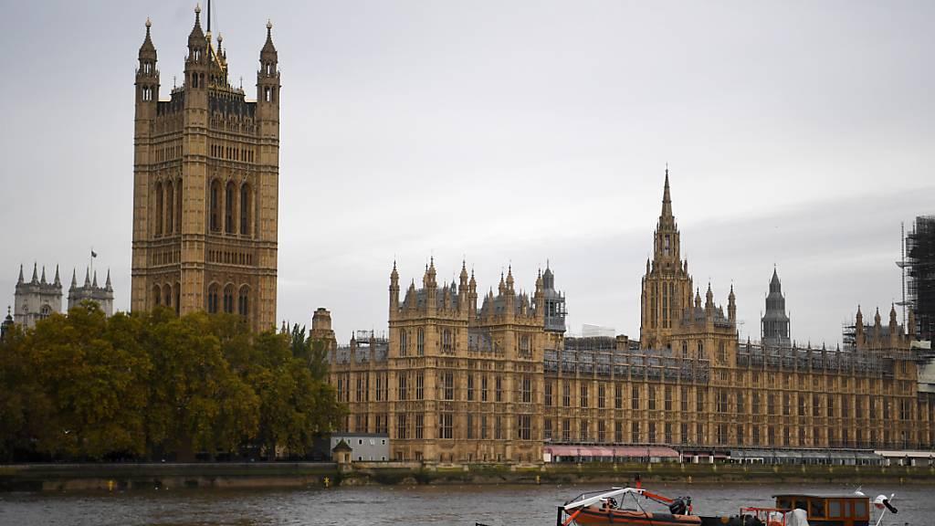 In London werden allerlei Strategien für die Durchführung von Neuwahlen geprüft. (Archivbild)