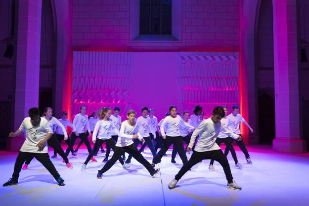 Die Windischer Schüler übten aufwendige Choreografien ein.