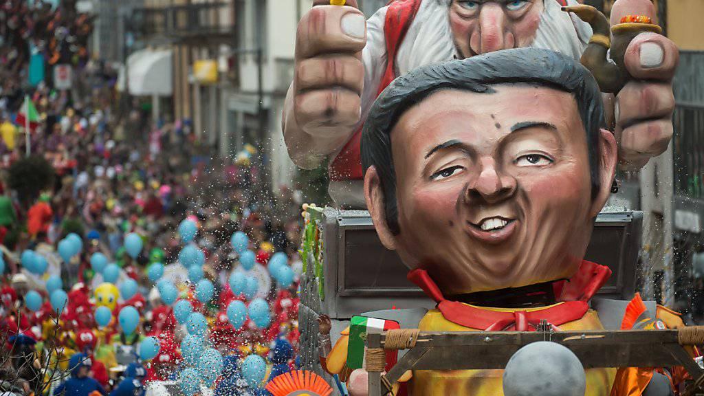 «Renzit» - Auch der ehemalige Ministerpräsident des grossen Nachbarn im Süden, Matteo Renzi, bekommt am «Rabadan» in Bellinzona sein Fett weg.