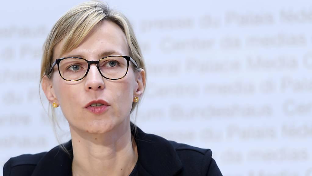 Isabella Eckerle, Leiterin des Zentrum für Viruserkrankungen am Universitätsspital Genf, befürwortet Tests und eine Maskenpflicht für Kinder. (Archivbild)