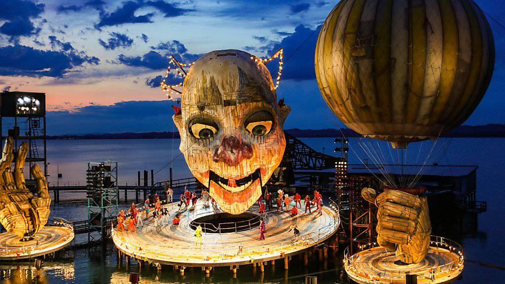 180'000 Zuschauerinnen und Zuschauer werden bis am Sonntagabend Verdis Oper «Rigoletto» auf der Seebühne in Bregenz gesehen haben.
