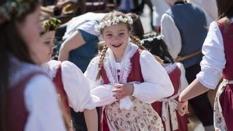 Der Sechseläuten-Kinderumzug 2015 fand unter einem strahlenden Frühlingshimmel statt.