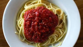 Wäre auch der Teller rot, würde man vielleicht weniger davon essen: Eine Portion Spaghetti Napoli