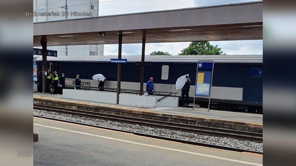 Jail Train – der Schweizer Gefängniszug: Wegen technischer Panne musste Zug in Herzogenbuchsee anhalten