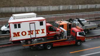 Zirkus Monti-Laster auf A1 verunfallt