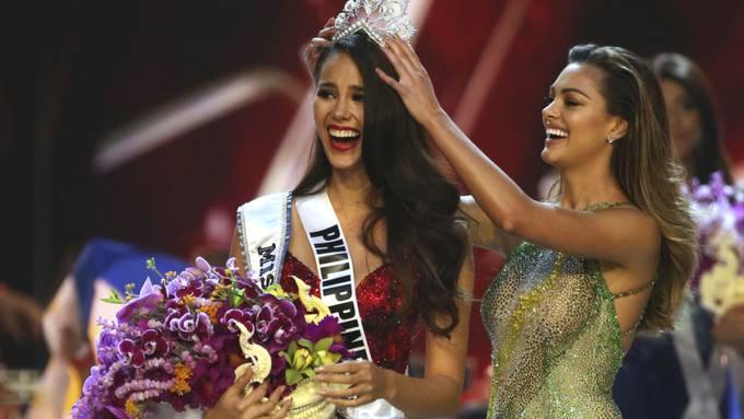 """In Bangkok ist am Montag Catriona Gray von den Philippinen (Mitte) zur neuen """"Miss Universe"""" gekürt worden."""