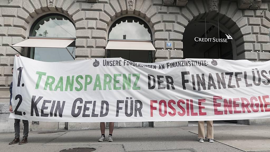 Klimaaktivisten überreichen CS offenen Brief