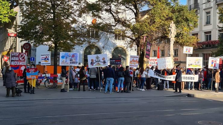 Gemeinsam für Armenien: Im Stadtzentrum von Zürich demonstrierten am Donnerstag Nachmittag gut Hundert Menschen.