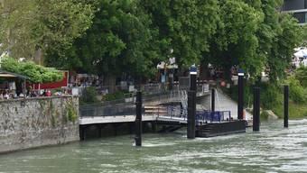 Bei der Schiffsanlegestelle in Rheinfelden muss in den nächsten Wochen nachgebessert werden. nbo