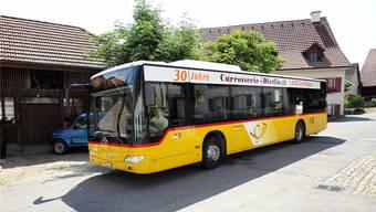 Das Postauto fährt nur selten von Blauen nach Laufen. Und wenn, dann sitzen nur wenige Fahrgäste im Bus.