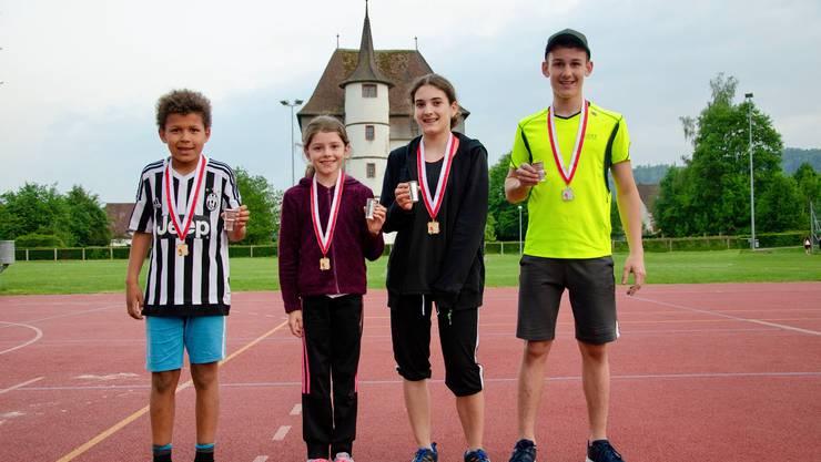 von links nach rechts: Ismael Jallow 2008, Sina Tschumper 2009, Samira Lo Presti 2005, Tim Kyburz 2004