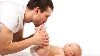 Zweiwöchiger Vaterschaftsurlaub wird bekämpft