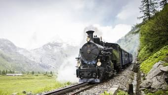 Es zischt, dampft und pfeift: Eindrücke von der Dampfbahnfahrt am Furkapass – neben den Geleisen und aus dem Führerstand.