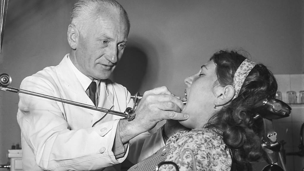 Der schulzahnärztliche Dienst soll im Kanton Luzern bestehen bleiben. (Archivbild)