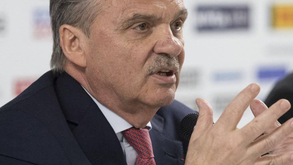 René Fasel spricht an der Medienkonferenz im Rahmen der Eishockey-WM in Paris. Der Präsident der IIHF hofft weiter auf die Teilnahme der NHL-Spieler an den Olympischen Spielen 2018