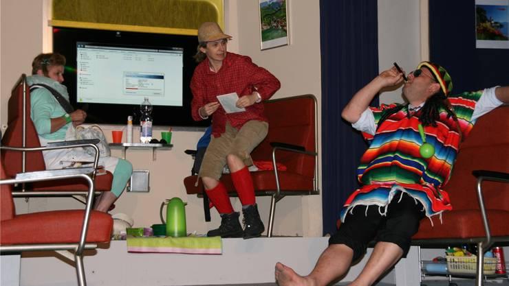 Gaby Wächter (l.), Irene Steinmann und Oliver Baer während einer Probe.