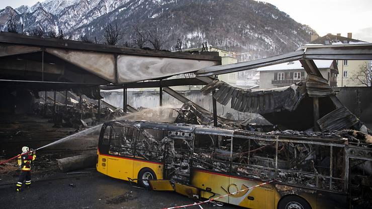 20 Postautos wurden beim Brand am Abend des 16. Januars 2019 zerstört.