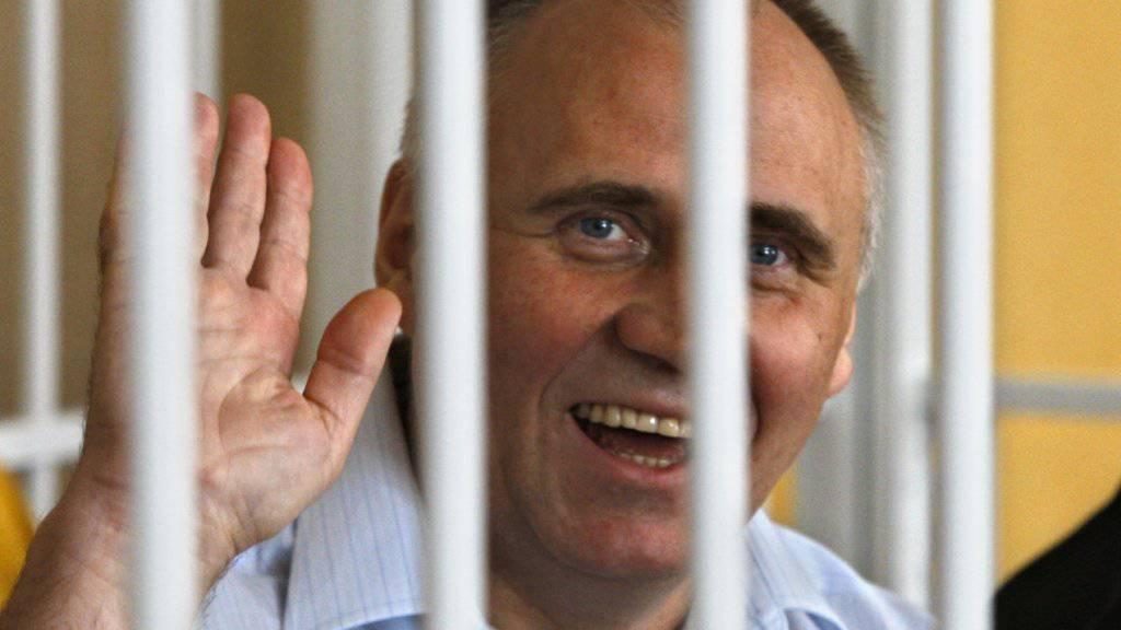 Einer der sechs freigelassenen Oppositionellen, der einstige Präsidentschaftskandidat Mikola Statkewitsch (Archiv)