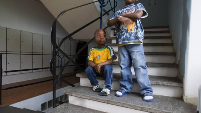 Flüchtlingskinder in einem Heim für Asylbewerber (Archiv)