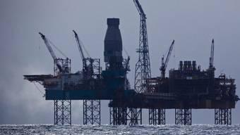 Noch immer strömt Gas aus einem Unterwasserleck der Total-Förderplattform (Archiv)