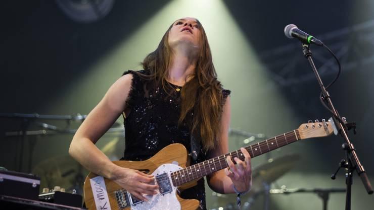 """Die in Berlin lebende Schweizer Musikerin Sophie Hunger kündigt ein neues Album an: """"Halluzinationen"""" erscheint Ende Sommer."""