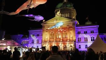 Licht, Farben, Poesie und nächtliche Erkundungstouren durch die Berner Museumslandschaft. Am Freitag laden die Berner Institutionen zur traditionellen Museumsnacht. (Archivbild)