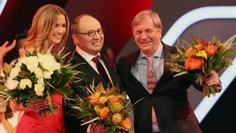 Glücksfee Barbara Mergert und Benissimo-Regissuer Max Sieber verabschieden Beni Thurnheer