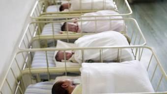 Babys im Spital - es gibt Fälle von Verwechslungen (Symbolbild)